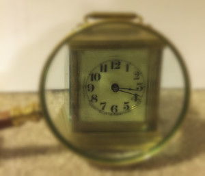 Clock magnifying glass